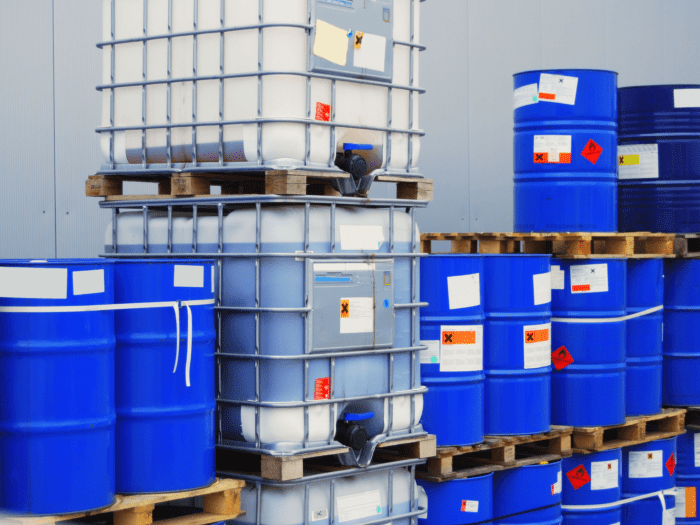 Labels vaten chemisch